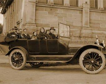ANTIQUE PhoTo DOWNLOAD 1920s Family Automobile - Instant DIGITAL Vintage Print - Car Man CAve Art Junk Journal Altered Art To Frame no1656