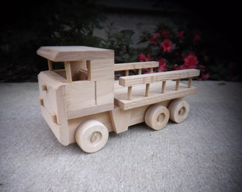 Oak Toy Delivery Truck