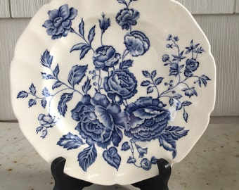 ADORABLE Blue & White English Floral Plate!!
