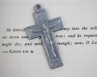Vintage Silver Tone Metal Crucifix Pendant - Maastricht Netherlands Holland - Rosary Making Supply Parts Flat Crucifix (SD522)