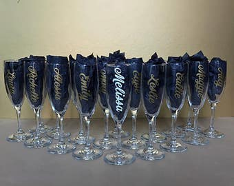 Personalized Champagne Glass Flutes - Wedding - Bachelorette - Shower - Quinceanera - bridal party - favor - gifts - choose your design
