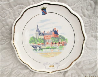 Vintage French Plate, Gien Pottery, french ceramics, castles, chateaus pottery, french country decor, handpainted plates