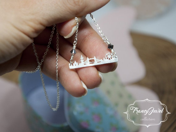 London necklace, wanderlust, landscape charm jewelry, horizontal silver bar necklace, Swarovski necklace, dainty jewelry, made in Italy