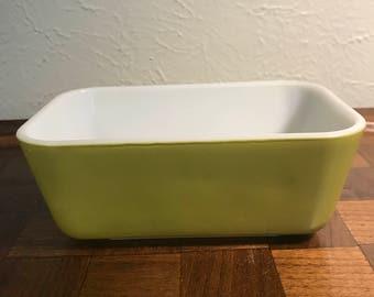 Vintage Pyrex Refrigerator Dish - Avocado - 502 - no lid