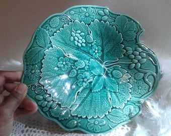 Vintage Majolica green vine leaf shape plate with grapes & strawberry fruits and flowers pattern, green vine leaf deep plate with grapes