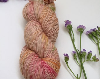 Hand Dyed 75/25 Superwash Merino Nylon Lace Weight 492yard Knitting Cheerful Gerbera