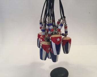 Conga necklace cuba flag