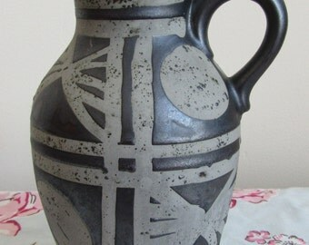 CARSTENS Ankara jug Fat Lava West german Pottery Austria 1518-23 9inches 23cms