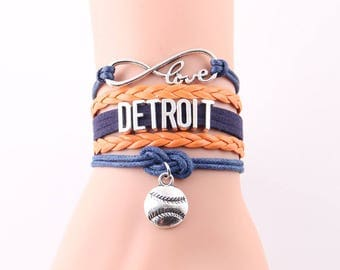 Detroit Tigers Love Friendship Charm Bracelet