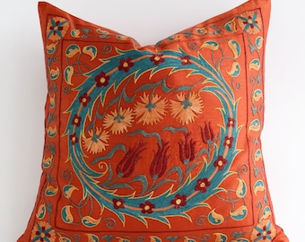 Embroidered Silk Red Suzani Pillow, Red Pillows, Red Pillow Covers, Red Decorative Pillow, Red Pillow Sham, Red Pillowcase Red Suzani Pillow
