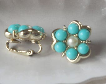 Vintage Sarah Coventry Aqua Fleur Clip On Earrings/Gift For Her