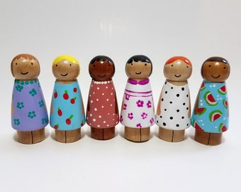 Little Sister Peg Doll, Dollhouse Figurines, Natural Wooden Toys, Pick Your Family Peg Dolls, Montessori Wooden Toys, Easter Basket Gift
