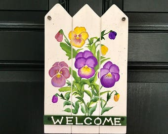 Pansy  Welcome Sign