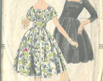 "1950s Vintage VOGUE Sewing Pattern B36"" DRESS (R161)  Vogue 9794"
