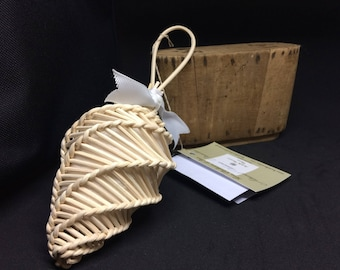 PERFUME DIFFUSER in rattan and organic cotton for essential oils or fragrance of rechargeable long duration will inside