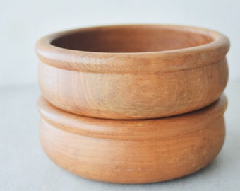 Rounded wood vintage bowls