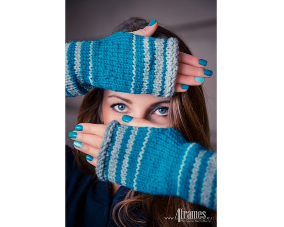 Fingerless Gloves, Knit Texting Gloves, Women's Gloves in Gray and Teal, Knit Arm Warmers, Knit Fashion, Boho Chic Gloves, Winter Gift