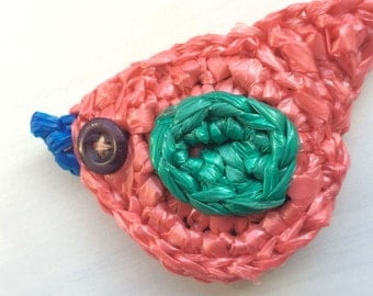 Crocheted magnet made from plastic bags / Recycled Magnet / Bird Magnet / Handmade Magnet / Refrigerator Magnet / Housewarming Gift