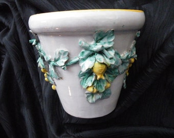 """Cachet Pot Made In """"Italy"""" Raised Roses and Vines"""