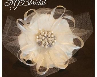 Flower clip, bridal hair flower, ivory hair clip, hair clip, wedding flower clip, bridal hair clip