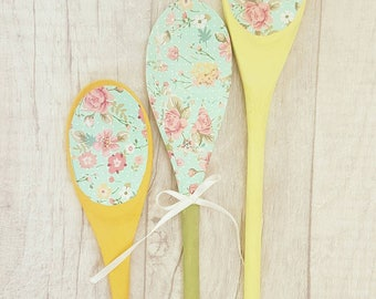 Decoupage spoons, shabby chic spoons, country spoons