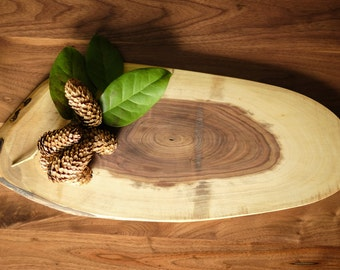 Multi-tone Walnut Cutting Board // Platte // Home Decor