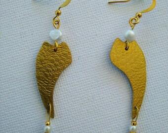 Brass Handmade Earrings, Gold Wire, Pearl