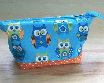 Lined Zipper Pouch in Owls and Orange Polka Dots