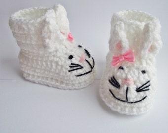 crochet baby bunnies booties white, crochet baby girl booties, crochet booties, baby booties, baby boots, crochet boots