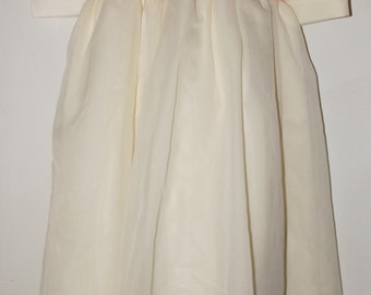 Cream colored dress without tags size 8