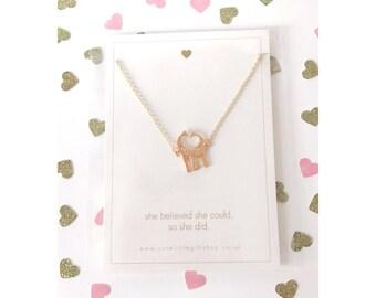 Giraffe Love Necklace - Gold
