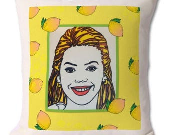 Beyoncé girl power lemonade themed hand illustrated throw cushion with insert included.46x46cm