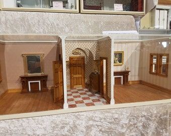 Large double room box with period entrance