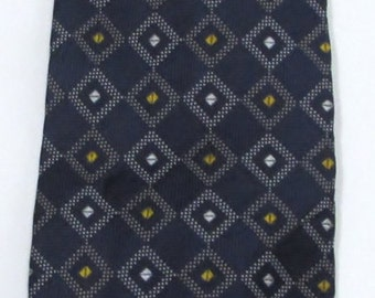 New Paul Fredrick 100% Silk Navy Blue w/ White & Yellow Geometric Pattern Classic Size Vintage Necktie Orig Price 99