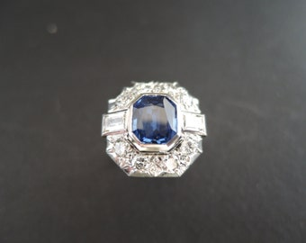 Vintage Art Deco sapphire and diamond ring, platinum.