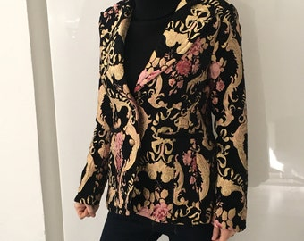 Damask pink flowers and gold jacket, Sz. XL