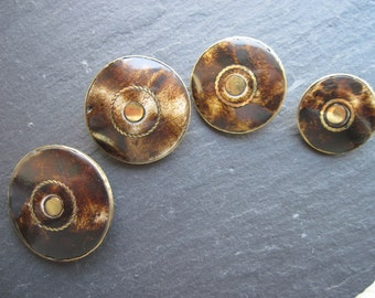 4 buttons set pieces Buffalo leg with metal frame with loop Brown