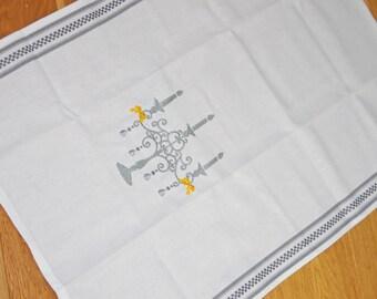 White embroidery Trochon grey chandelier