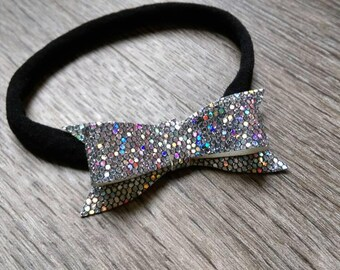 Black nylon dainty bow
