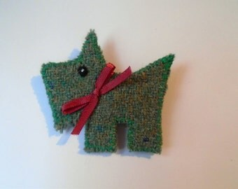 Harris Tweed dog brooch