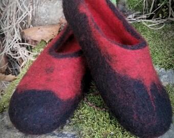 Men's red / black wool felt slippers