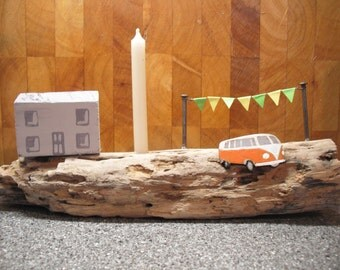 Driftwood cottage  decoration with campervan