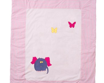 "DogsLoveCats baby blanket ""Elly"" makes your child happy."