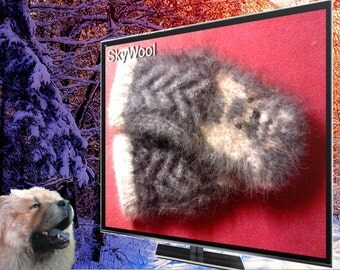 "Dog Wool Chiengora 100% Hand spun Mittens ""Transformer"""