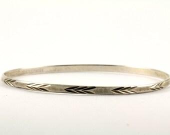 Vintage Leaf Diamond Cut Design Bangle Bracelet 928 Sterling BR 1247
