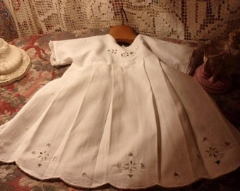 A little old dress embroidered, small, child size