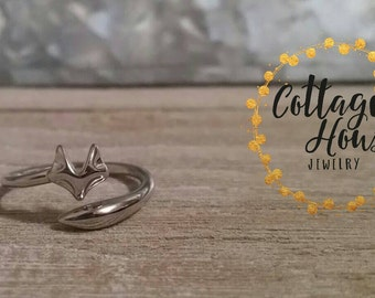Fox ring- woodland- shabby jewelry- statement ring- farmhouse style- cottage style- farmhouse jewelry decor- stacking ring- country girl