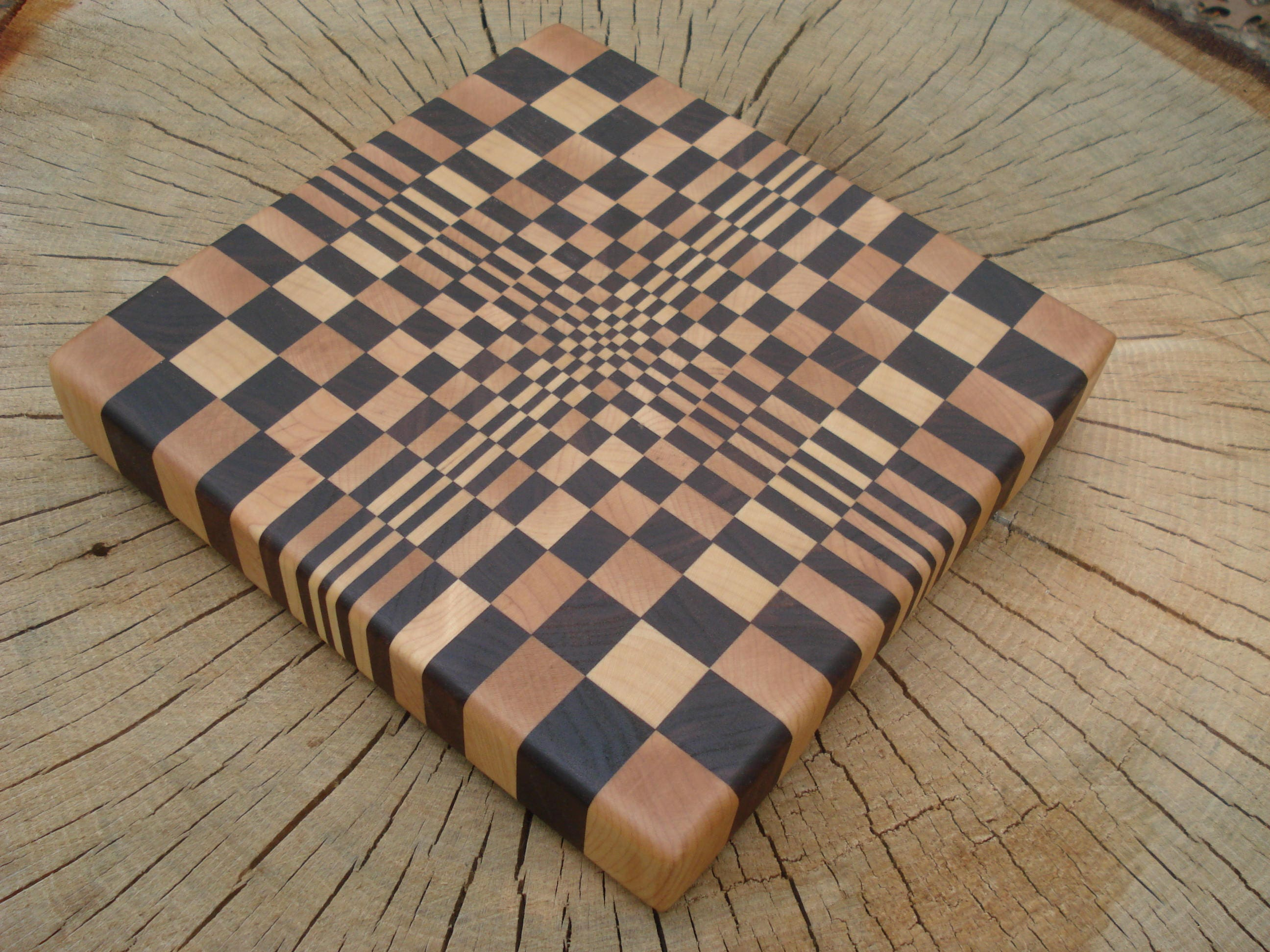 End Grain Cutting Board Maple Walnut W Optical Illusion