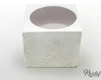 Tealights cube white concrete