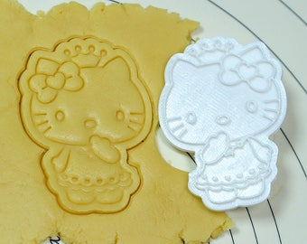 Kitty wearing Crown Cookie Cutter and Stamp